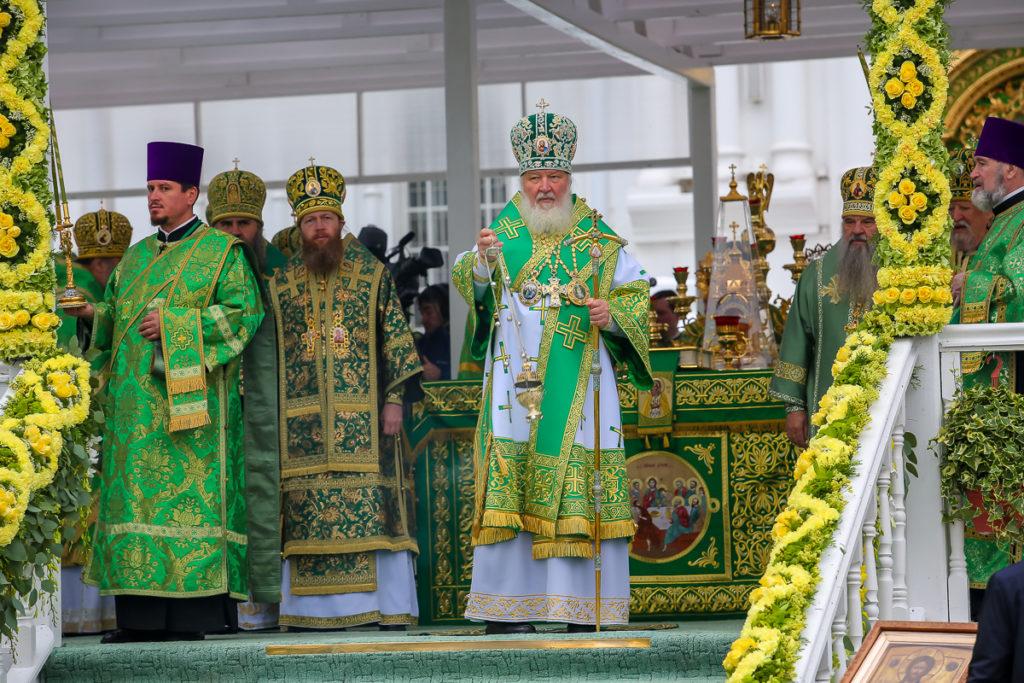 В праздник обретения мощей преподобного Серафима Саровского архиепископ Димитрий сослужил Святейшему Патриарху Кириллу