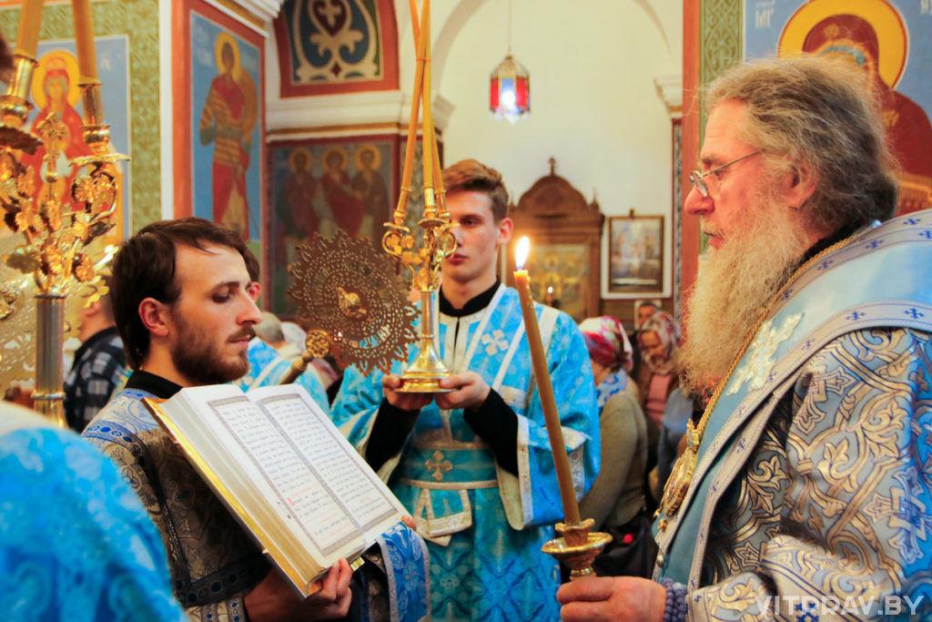 В канун Рождества Пресвятой Богородицы архиепископ Димитрий совершил всенощное бдение в Свято-Покровском соборе города Витебска