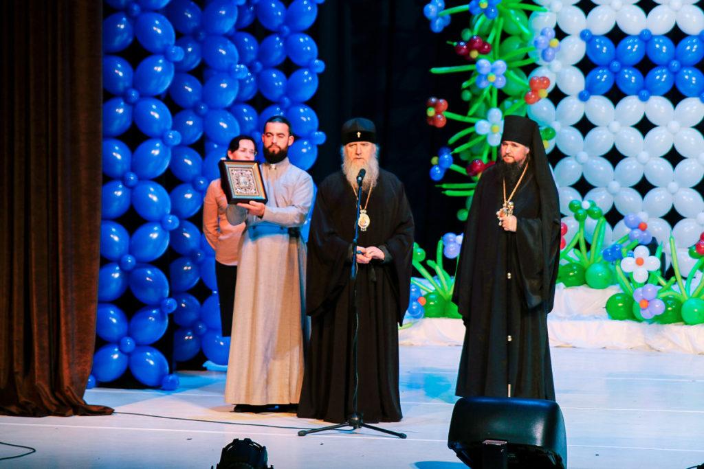 Архиепископ Димитрий принял участие в торжествах по случаю 50-летия Белоярского района