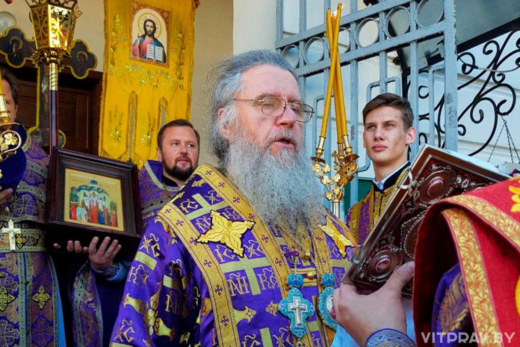 В праздник Крестовоздвижения архиепископ Димитрий совершил Литургию в одноименном храме городского поселка Лиозно