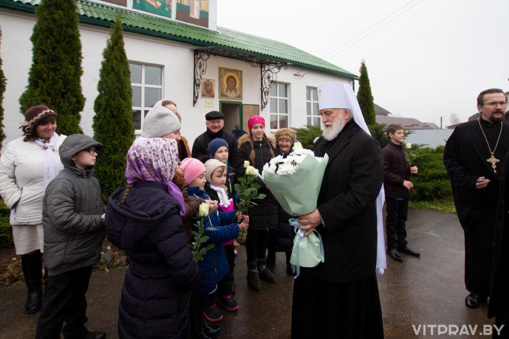 Митрополит Павел возложил цветы к монументу воинам-интернационалистам «Боль» и посетил ряд городских храмов