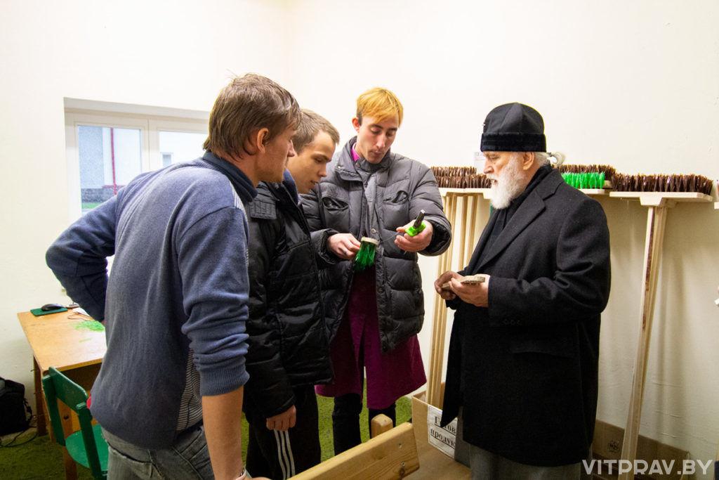 Митрополит Минский и Заславский Павел посетил храм и психоневрологический дом-интернат в агрогородке Бычиха