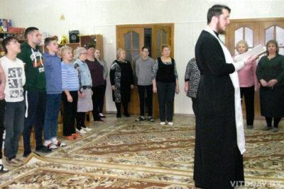 Представители социального отдела Витебской епархии поздравили с праздником Крещения Господня пациентов детской больницы и воспитанников детского дома