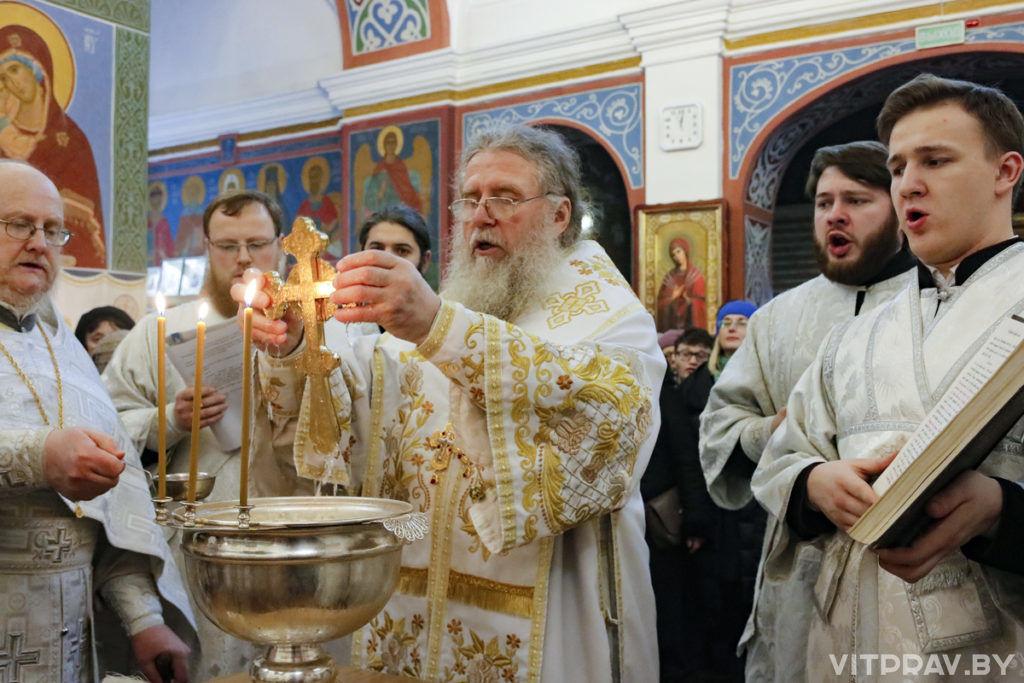 В праздник Богоявления архиепископ Димитрий совершил Литургию в Свято-Покровском соборе города Витебска
