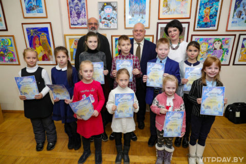 В Витебске торжественно открылась выставка-конкурс детского творчества «Рождественские мотивы 2020»
