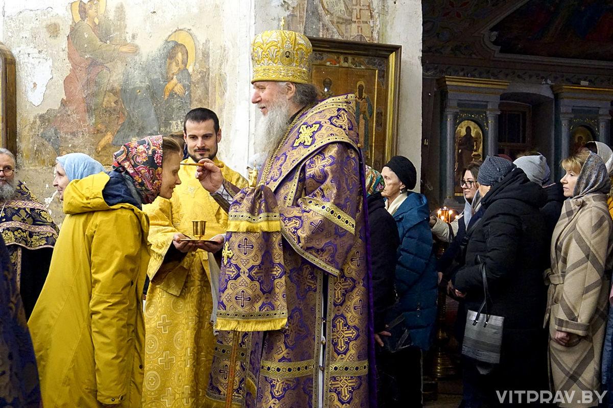 В канун Недели 3-й Великого поста архиепископ Димитрий совершил всенощное бдение в храме святой великомученицы Ирины