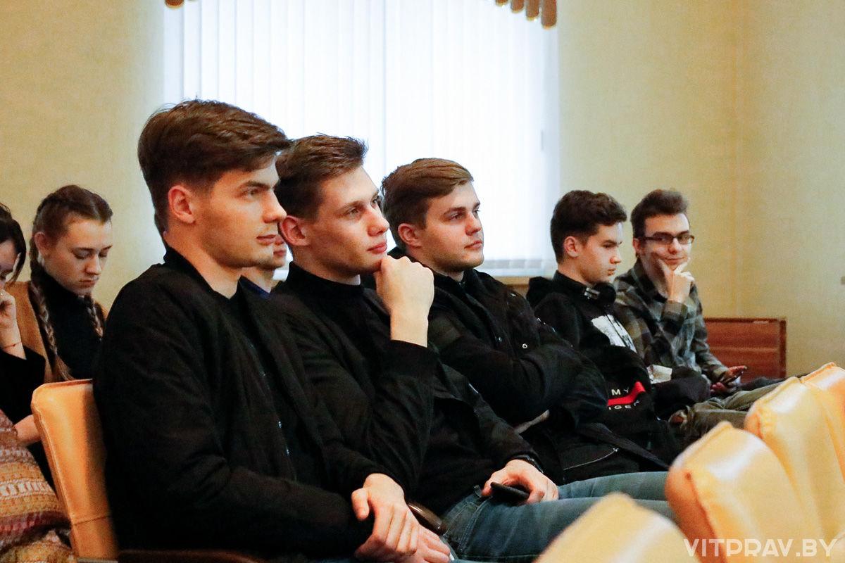 В ВГМУ состоялась очередная лекция для международной студенческой команды проекта «Жемчужное ожерелье Святой Руси»: к 75-летию Великой Победы»