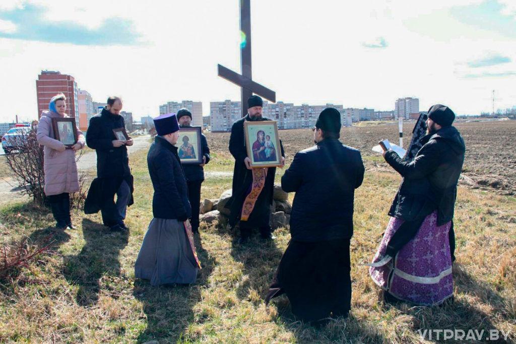 Священнослужители Оршанщины совершили автомобильный крестный ход вокруг города с молитвой об избавлении от эпидемии