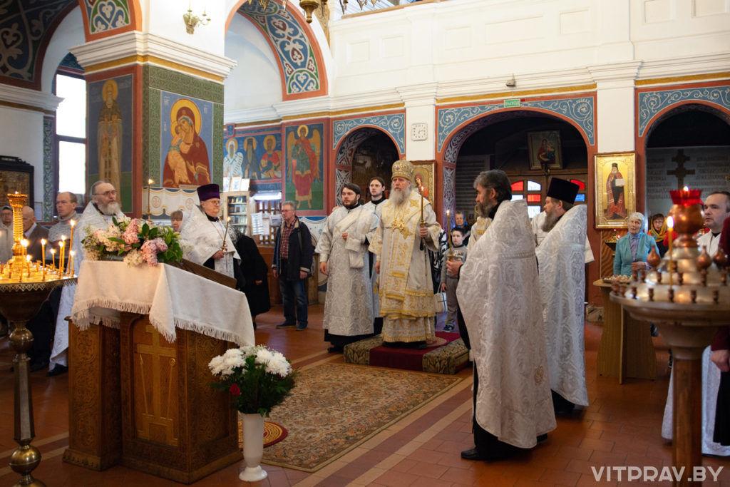 В канун праздника Вознесения Господня архиепископ Димитрий совершил всенощное бдение в Свято-Покровском соборе города Витебска