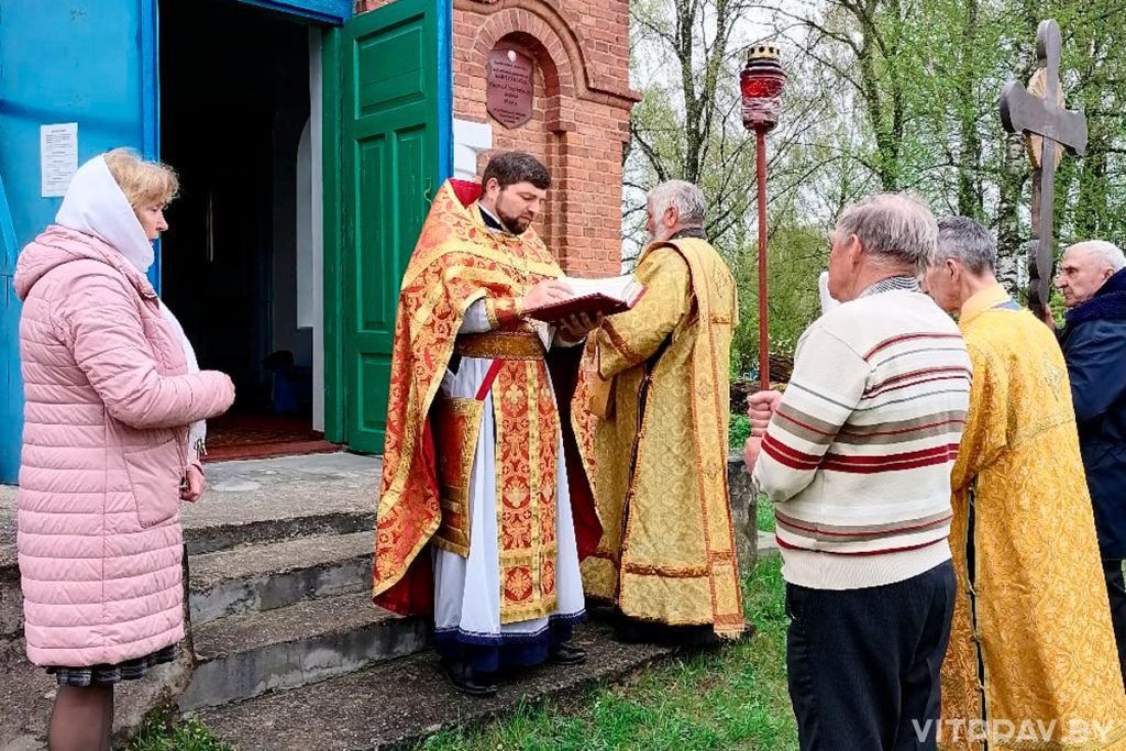 В храме святого великомученика Георгия Победоносца города Лепеля отметили престольный праздник