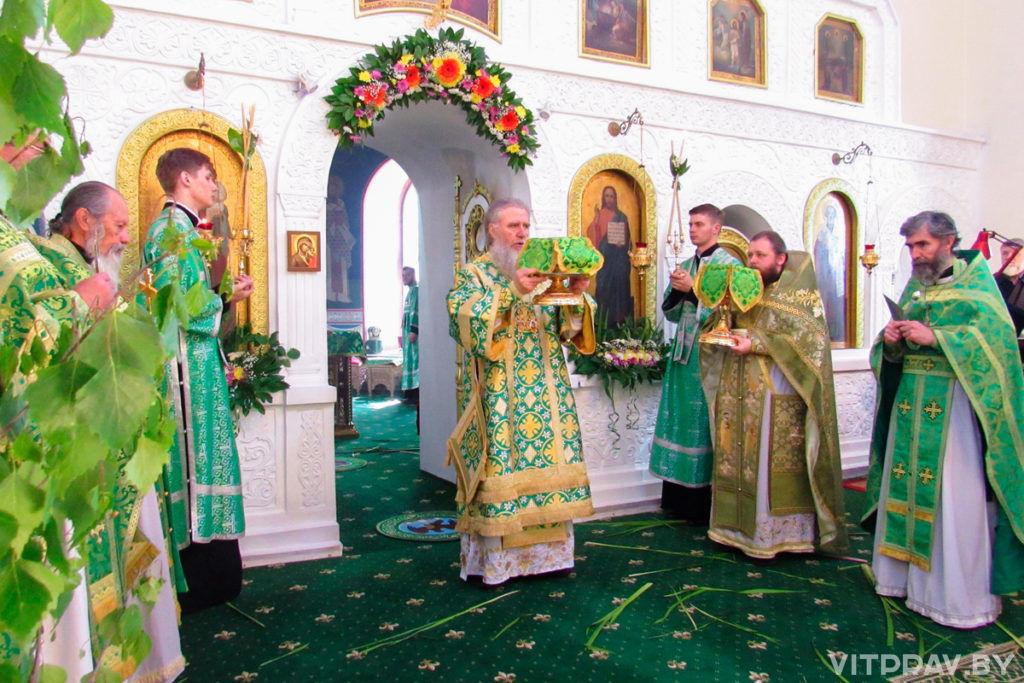 В день Святой Троицы архиепископ Димитрий возглавил праздничные богослужения в Свято-Троицком Марковом монастыре