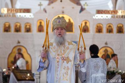 Архиепископ Димитрий возглавил воскресное богослужение в Свято-Покровском соборе
