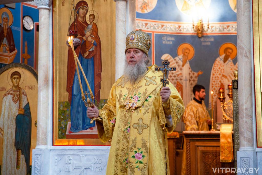 В Неделю 4-ю по Пятидесятнице архиепископ Димитрий совершил Литургию в храме Воскресения Христова города Витебска