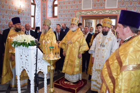 Архиепископ Димитрий принял участие в освящении храма в честь преподобного Серафима Саровского в городе Островец