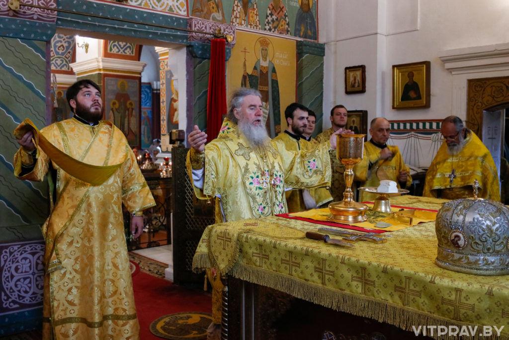 В праздник Рождества Иоанна Крестителя архиепископ Димитрий совершил Литургию в Свято-Покровском соборе города Витебска