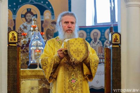 В Неделю 6-ю по Пятидесятнице архиепископ Димитрий совершил Литургию в Свято-Покровском соборе города Витебска