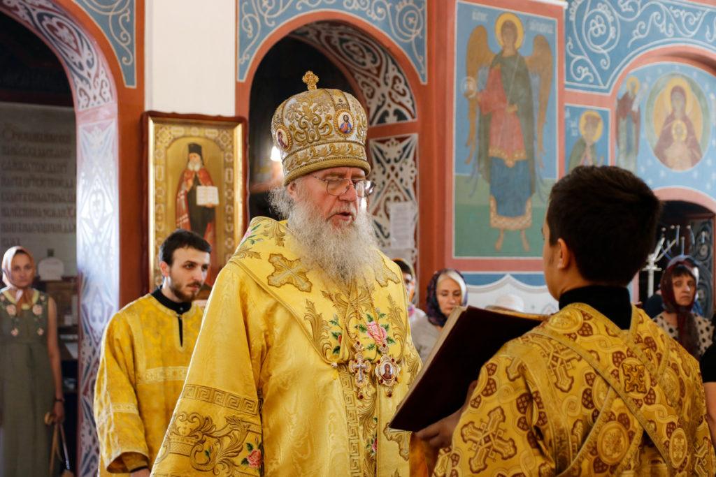 В день памяти великомученика и целителя Пантелеимона ректор семинарии совершил Литургию в Свято-Покровском соборе города Витебска