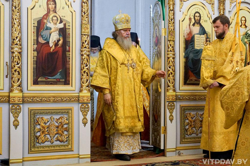 В канун Недели 11-й по Пятидесятнице архиепископ Димитрий совершил всенощное бдение в храме святой великомученицы Ирины