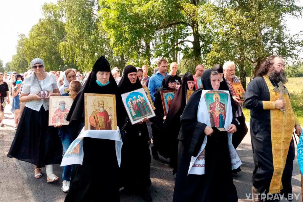 В Толочине прошел крестный ход в честь святого равноапостольного великого князя Владимира
