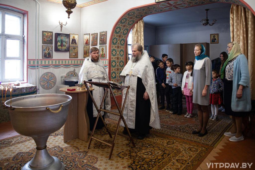 В Неделю 15-ю по Пятидесятнице архиепископ Димитрий совершил Литургию в Свято-Покровском соборе города Витебска