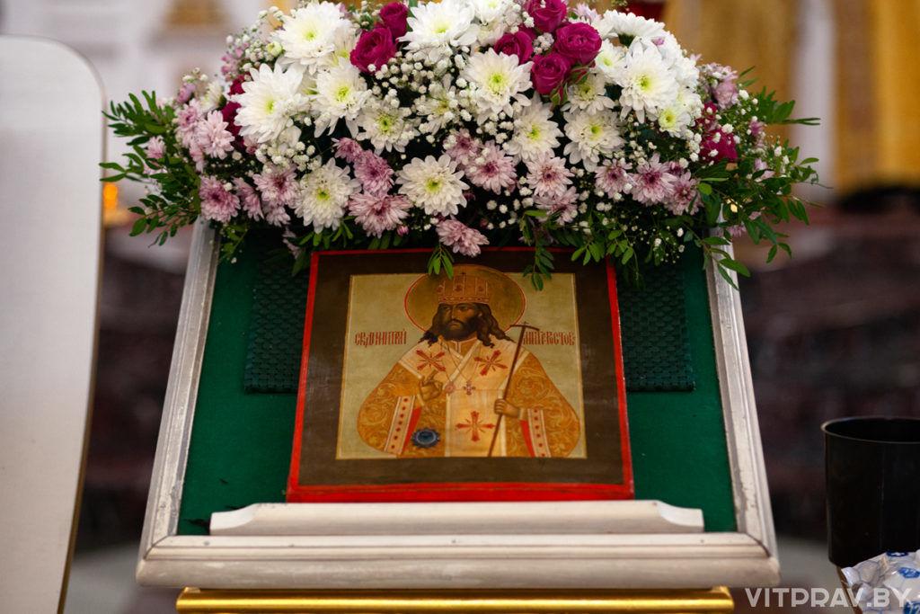 В день памяти святителя Димитрия Ростовского архиепископ Витебский и Оршанский совершил Литургию в Свято-Успенском кафедральном соборе города Витебска