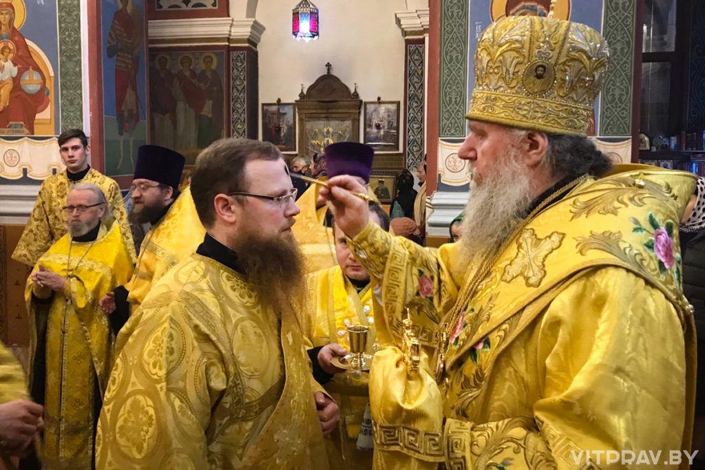 В канун Недели 24-ой по Пятидесятнице архиепископ Димитрий совершил всенощное бдение в Свято-Покровском соборе города Витебска
