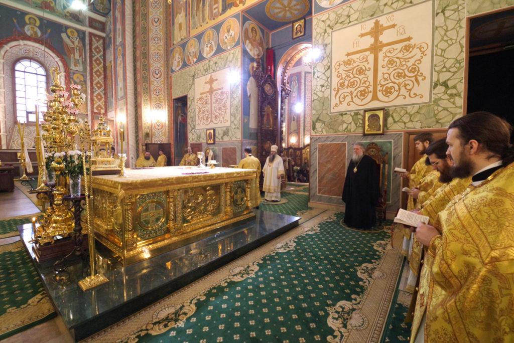 Архиепископ Димитрий посетил богослужение в Александро-Невском кафедральном соборе Нижнего Новгорода