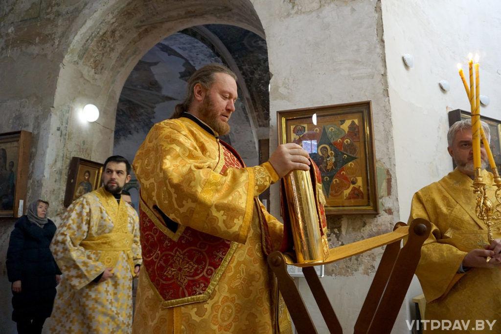 Архиепископ Димитрий совершил Литургию в храме святой великомученицы Ирины города Москвы