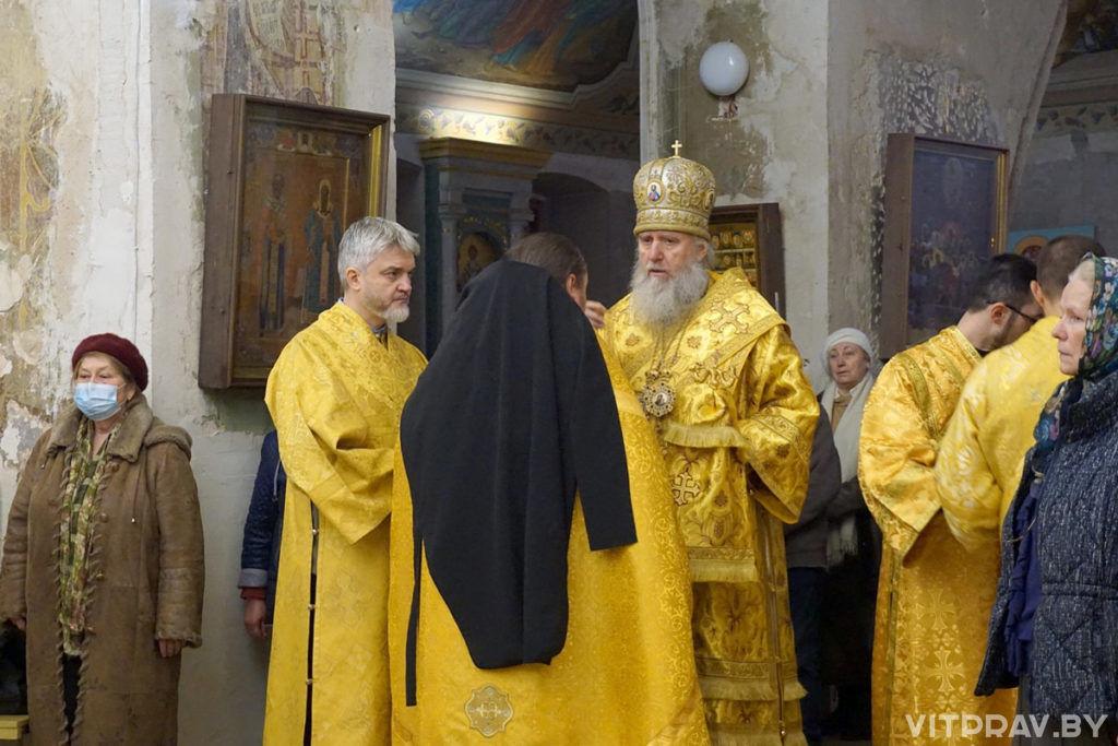 Архиепископ Димитрий совершил всенощное бдение в храме великомученицы Ирины города Москвы