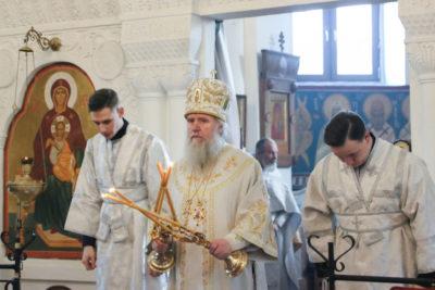 В Неделю 32-ю по Пятидесятнице архиепископ Димитрий совершил Литургию в Свято-Покровском соборе города Витебска