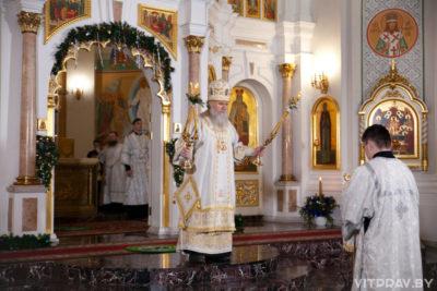 В праздник Рождества Христова архиепископ Димитрий совершил Литургию в Свято-Успенском кафедральном соборе города Витебска