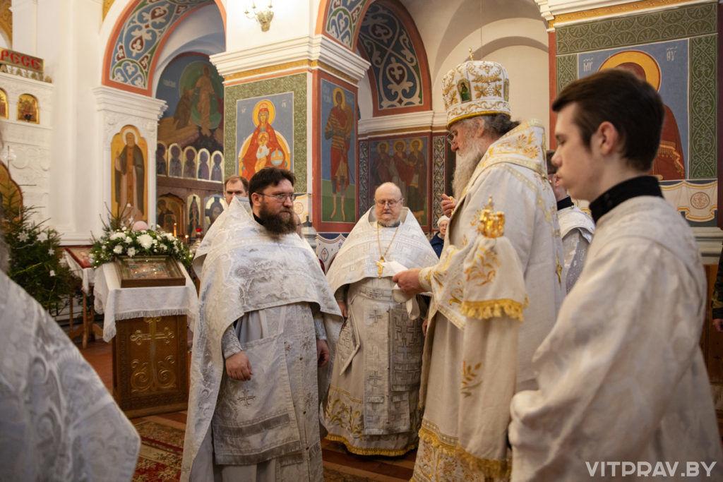 В праздник Собора Пресвятой Богородицы архиепископ Димитрий совершил Литургию в Свято-Покровском соборе города Витебска