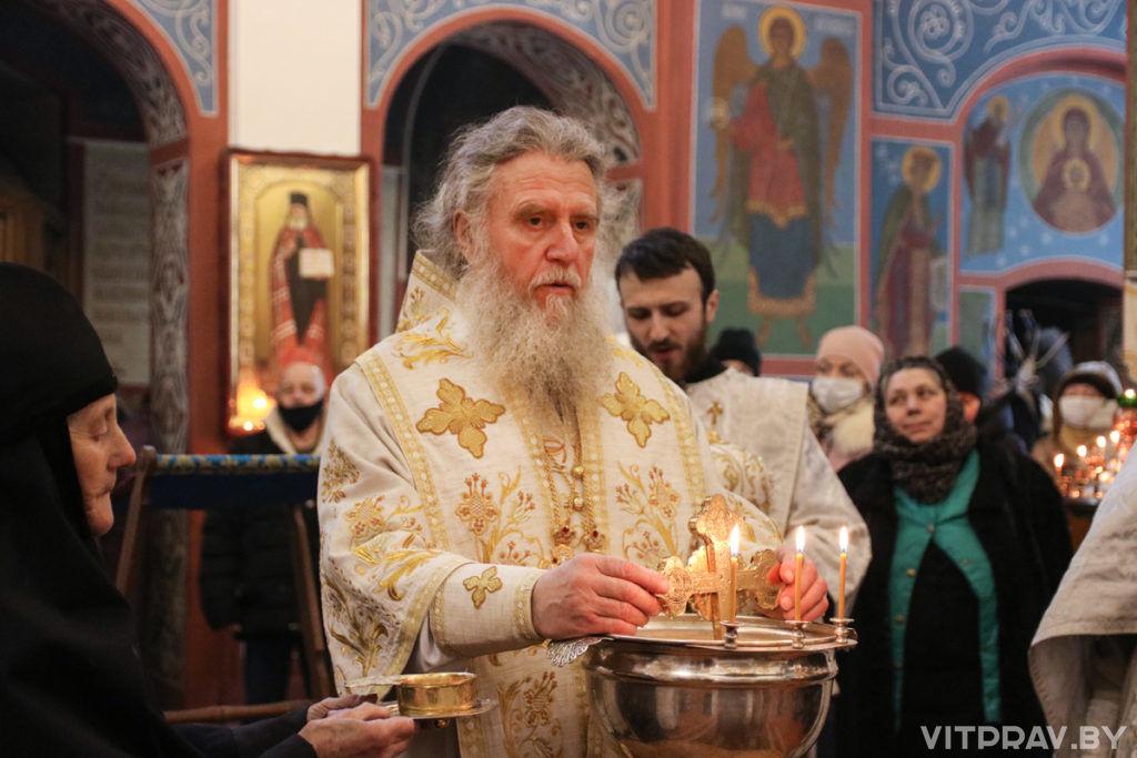 В праздник Богоявления архиепископ Димитрий совершил Литургию и чин великого освящения воды в Свято-Покровском соборе города Витебска