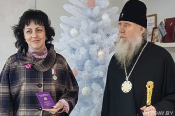 Архиепископ Димитрий наградил ректора ВГУ имени П. М. Машерова медалью «Святой Владимир исповедник Витебский»