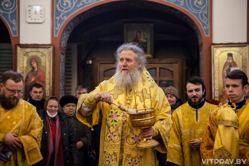 В Неделю сыропустную архиепископ Димитрий совершил Литургию в Свято-Покровском соборе города Витебска