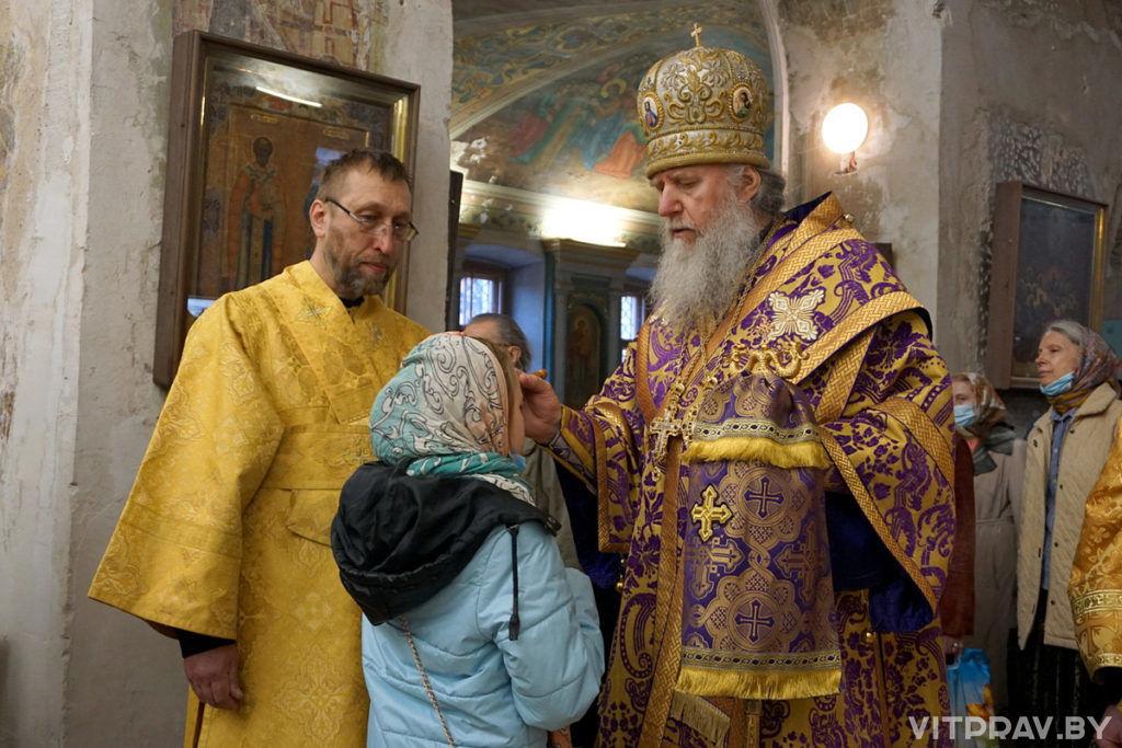 В канун Недели 5-й Великого архиепископ Димитрий совершил всенощное бдение в храме святой великомученицы Ирины
