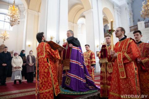 Пасхальный молебен в Свято-Успенском кафедральном соборе в 2021 году