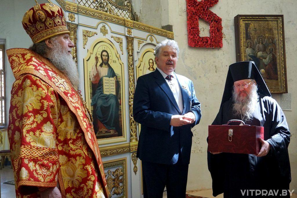 В день памяти святой великомученицы Ирины архиепископ Димитрий совершил Литургию в одноименном храме города Москвы