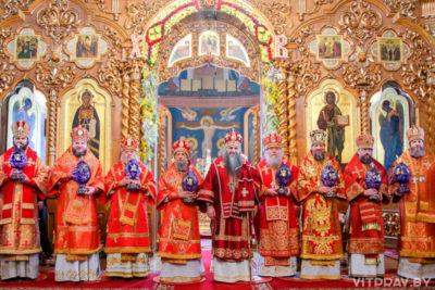 В Светлую среду архиепископ Димитрий сослужил митрополиту Нижегородскому и Арзамасскому Георгию в в Свято-Троицком Серафимо-Дивеевском женском монастыре