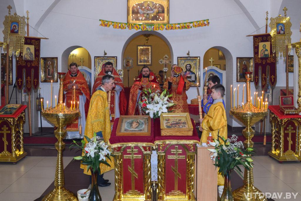 Архимандрит Сергий (Брич) возглавил Божественную литургию в храме Рождества Христова города Лепеля