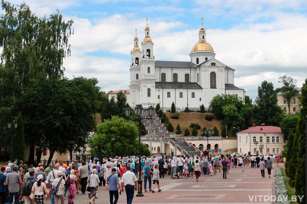 Крестный ход с мощами святого благоверного князя Александра Невского
