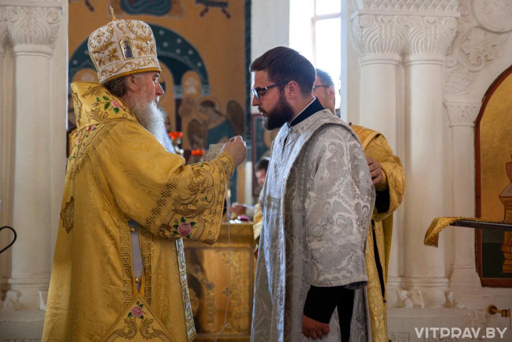 В Неделю 3-ю по Пятидесятнице архиепископ Димитрий совершил Литургию в Свято-Покровском соборе города Витебска