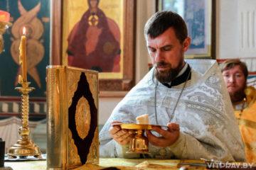 В Неделю 4-ую по Пятидесятнице архиепископ Димитрий совершил Литургию в Свято-Покровском соборе города Витебска