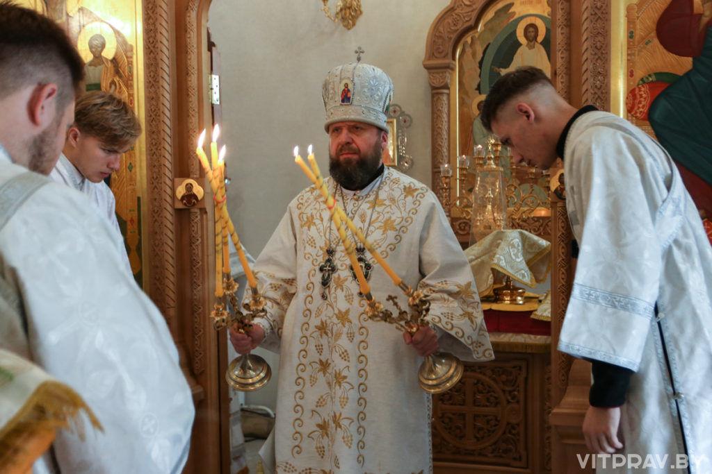 Епископ Лидский и Сморгонский Порфирий совершил Литургию в Свято-Духовом женском монастыре города Витебска