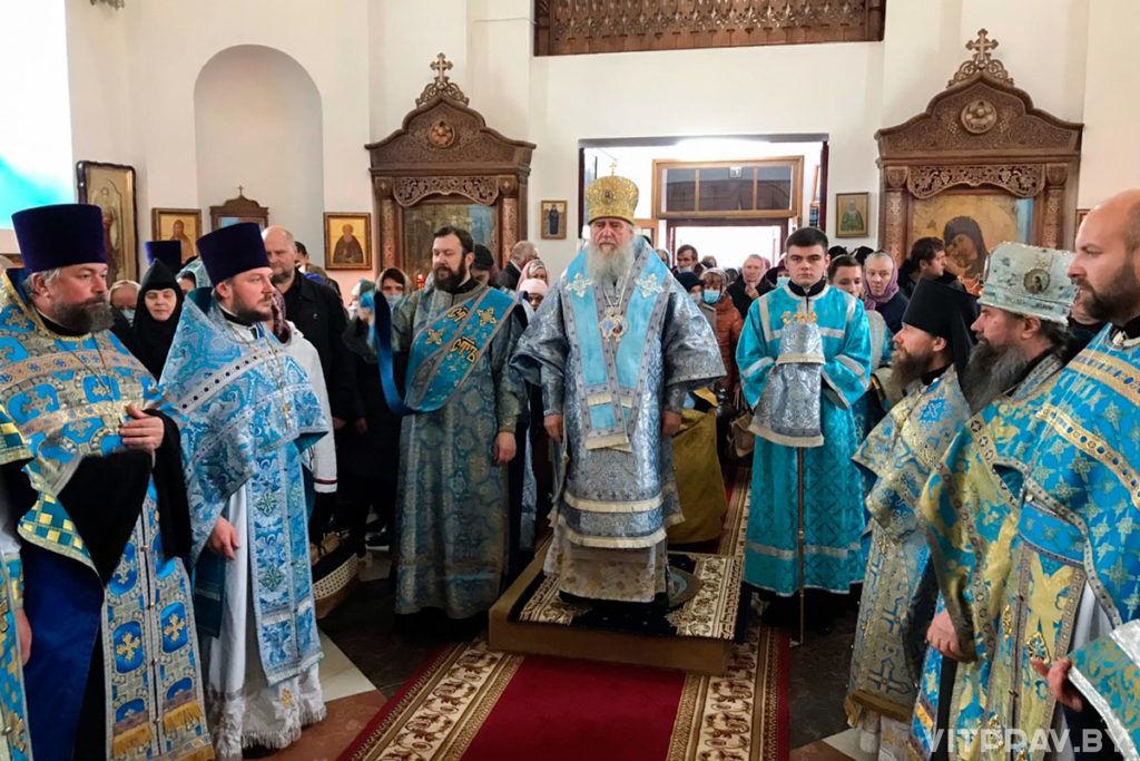 В праздник Рождества Пресвятой Богородицы архиепископ Витебский и Оршанский Димитрий возглавил престольное торжество в одноименном храме города Орши